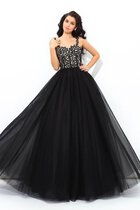 Abito Quinceanera Conotta con Applique Lunghi Ball Gown Naturale