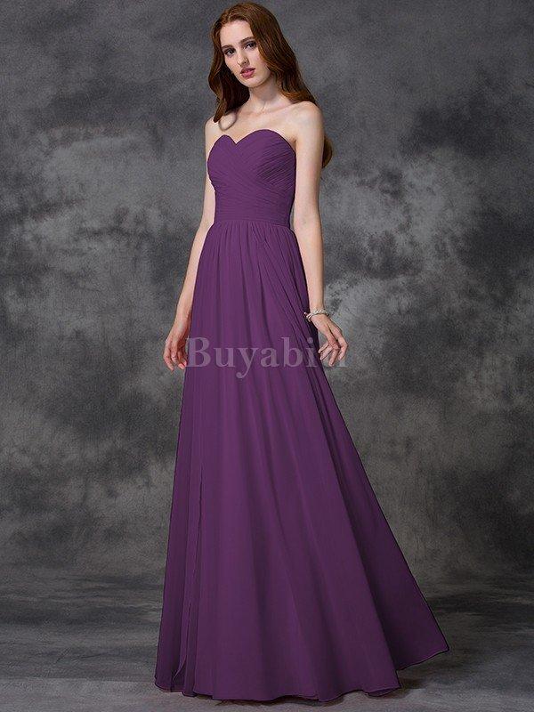 0520c05a0dd8 Prom Outfitters ha servito il mercato della moda per anni. Offrono alcuni  dei migliori abiti posteriori 2012 disponibili online. Indossano una vasta  gamma ...