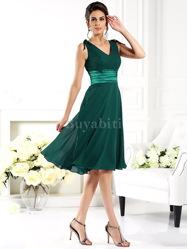 cc6d05fc39d9 Ha un aspetto metallico molto di tendenza ed è bello e leggero che  aumenterà anche il comfort del tuo vestito