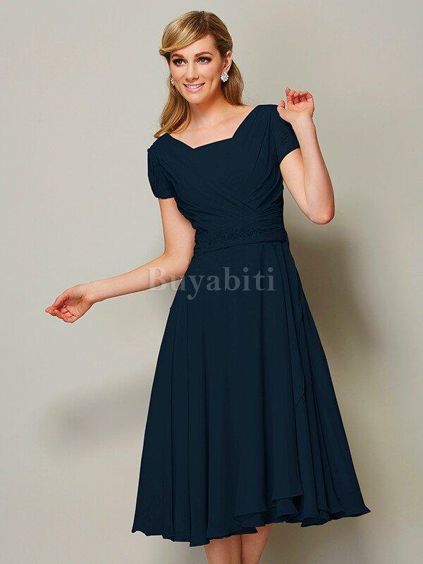 f27c48868a84 Un abito più informale potrebbe richiedere un paio di ballerine in raso  bianco o addirittura sandali con il cinturino.