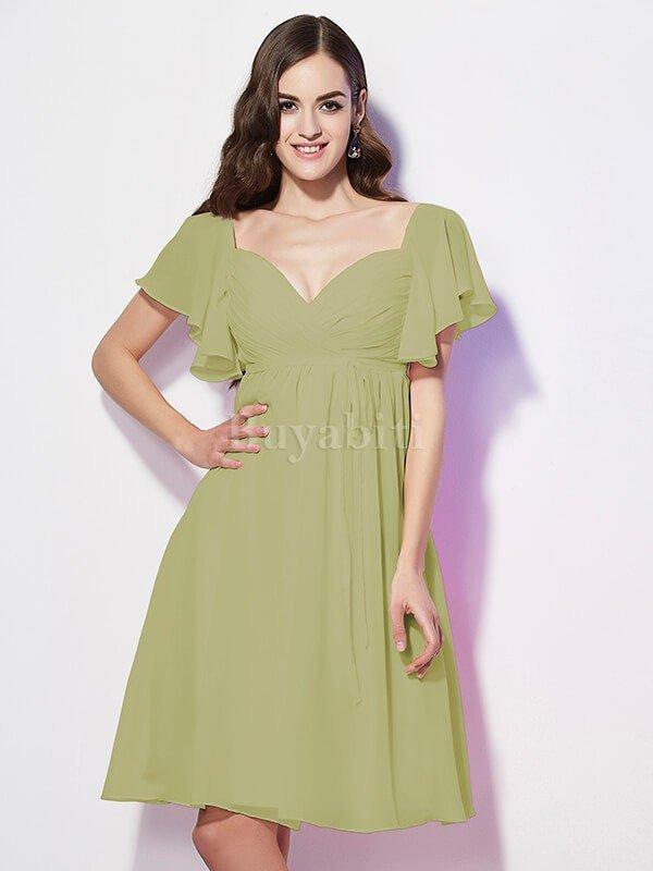 ... raccogliere dati sullo stile del vestito su internet e condividere  queste informazioni con la tua sarta nelle vicinanze per farti un abito  elegante. f259960f79e