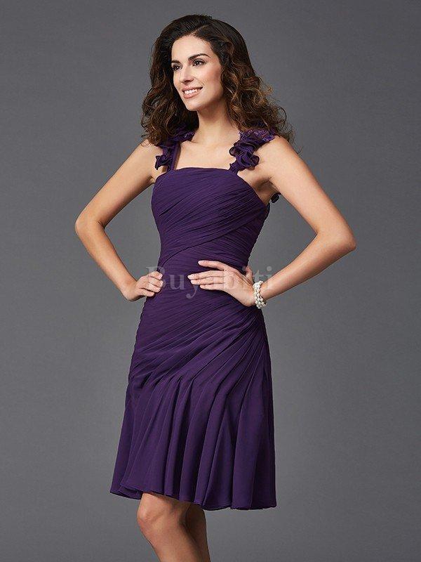 b5a23797646c La maggior parte dei negozi online offre una varietà di abiti