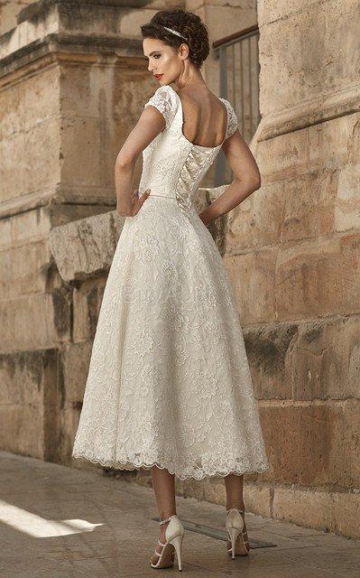 ... Abito da Sposa in Pizzo con Perline Moderno con Manica Corte Cappellino 032e9f6b767